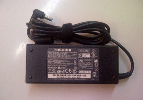 adaptor toshiba satellite m840 original